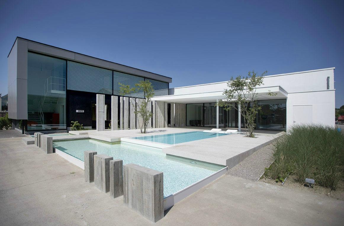 Betonnen zwembad bouwen for Inbouw zwembad zelf bouwen